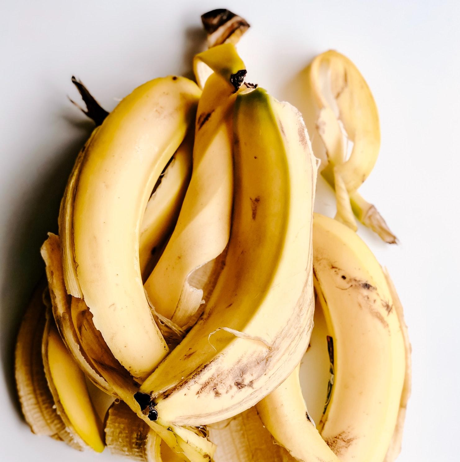 Banana Peel vs Dark Circles